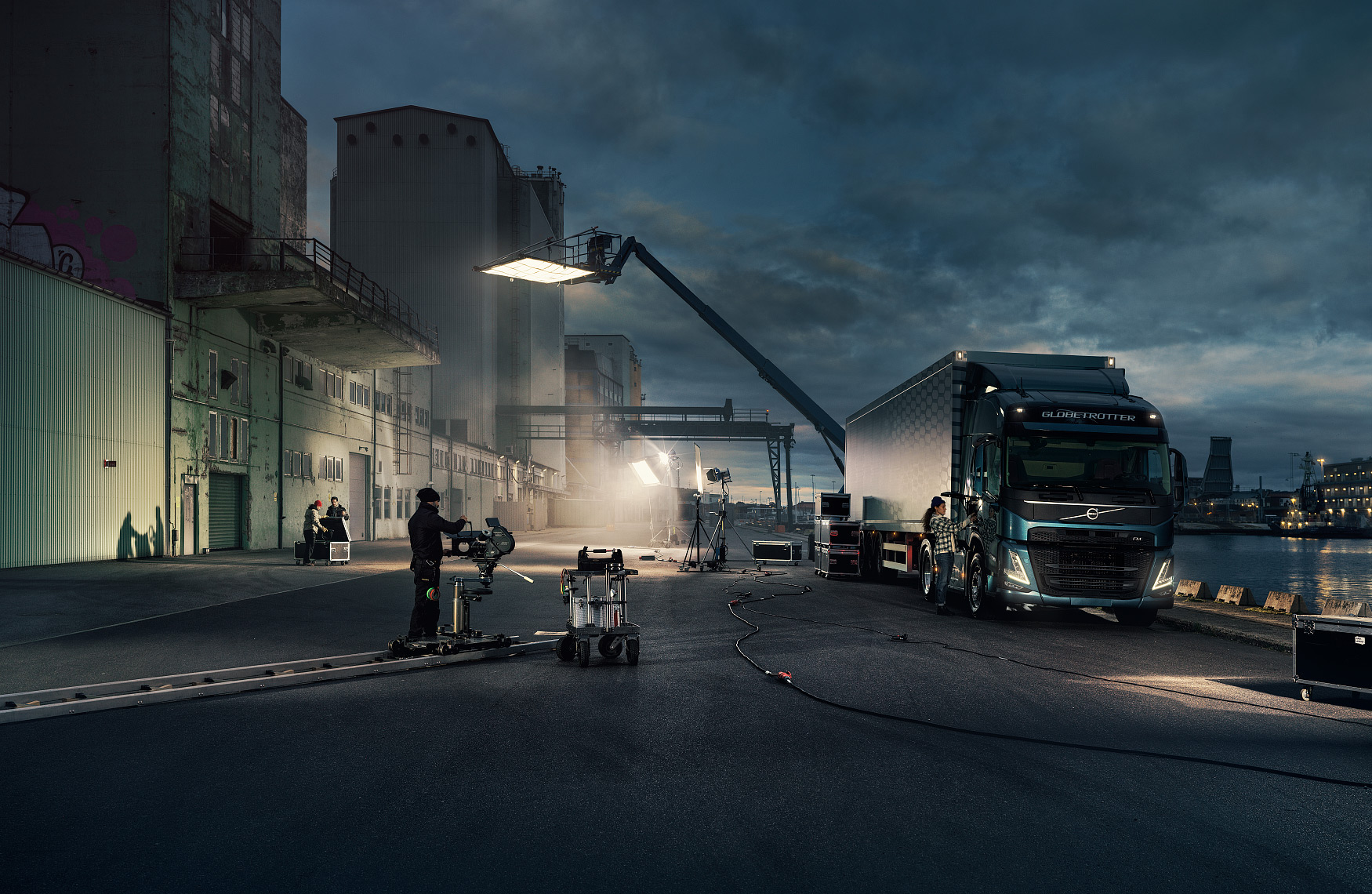 14_VolvoTrucks_FM_Movieset_041120_FINAL_Master