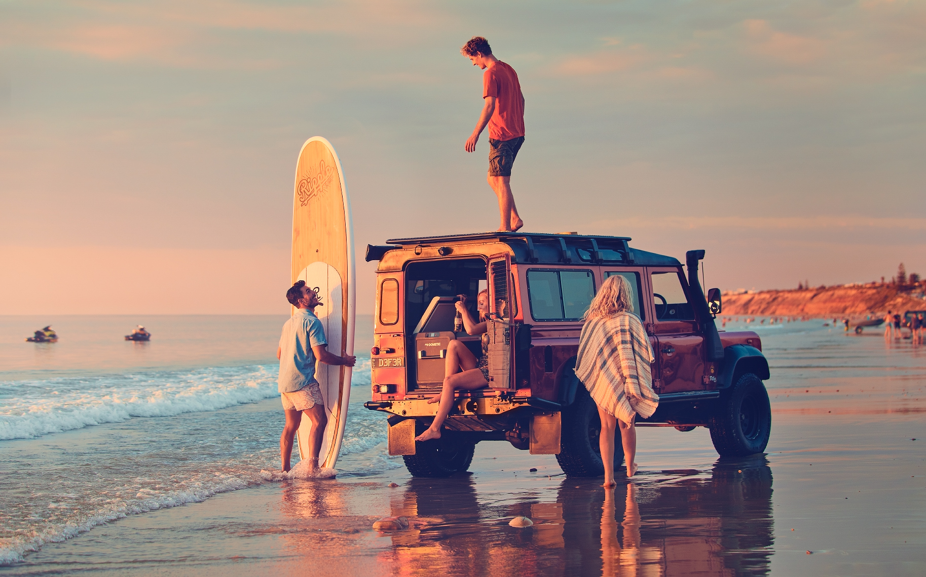 Landrover_Surf_Beach_Final_Master